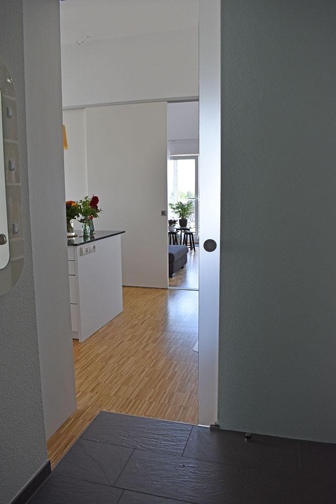Raumteiler zwischen Küche und Wohnzimmer